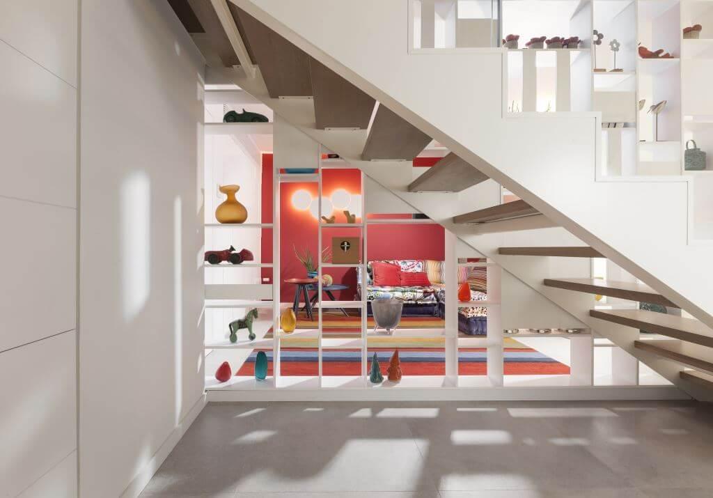 ספריה בין מדרגות