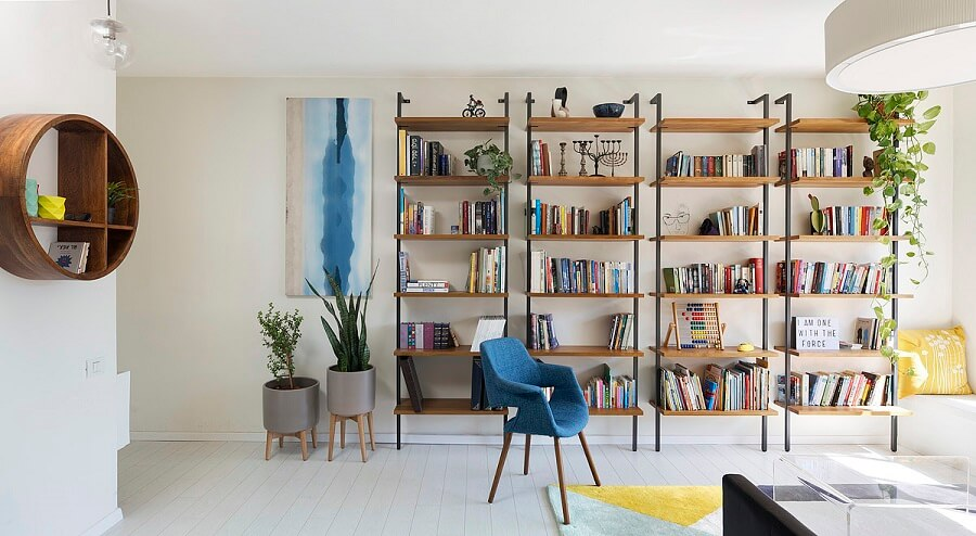 ספריה בסלון מעוצב