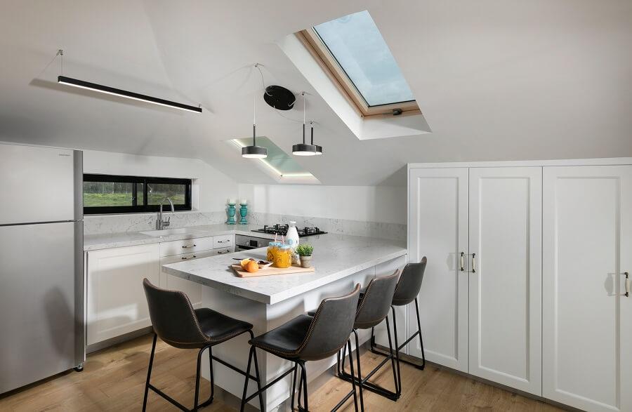 עיצוב מטבח בעליית גג