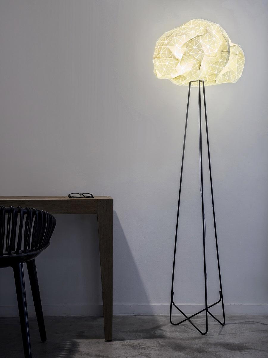 תאורה עומדת לסלון