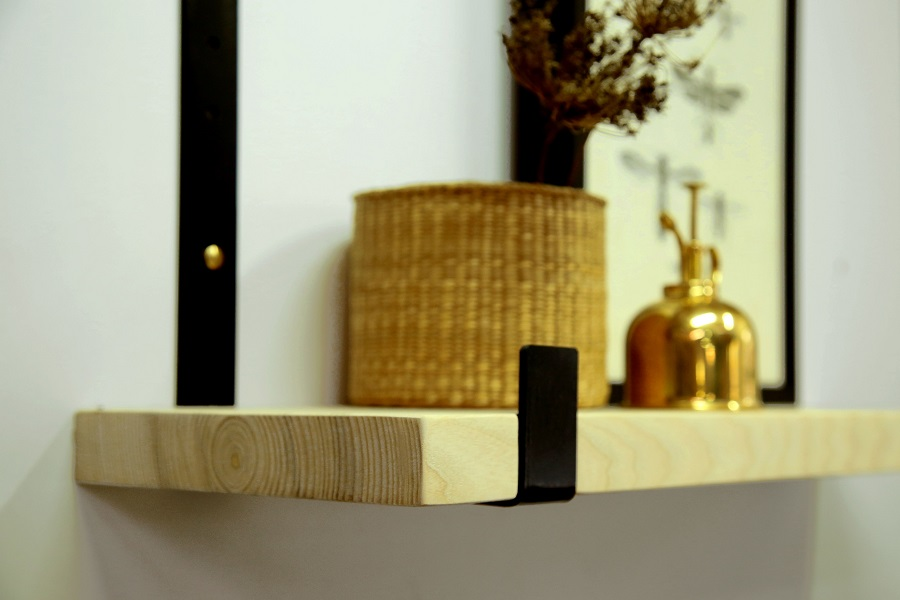 מדף עץ משולב ברזל