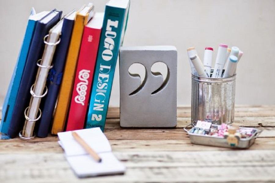 תומך ספרים גריי עיצובים בבטון